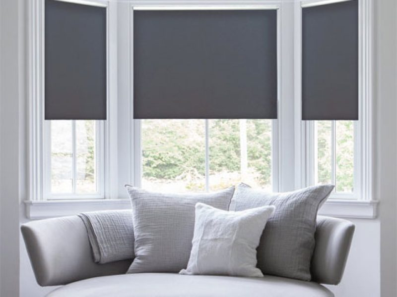 ROLLER SHADE BLACKOUT